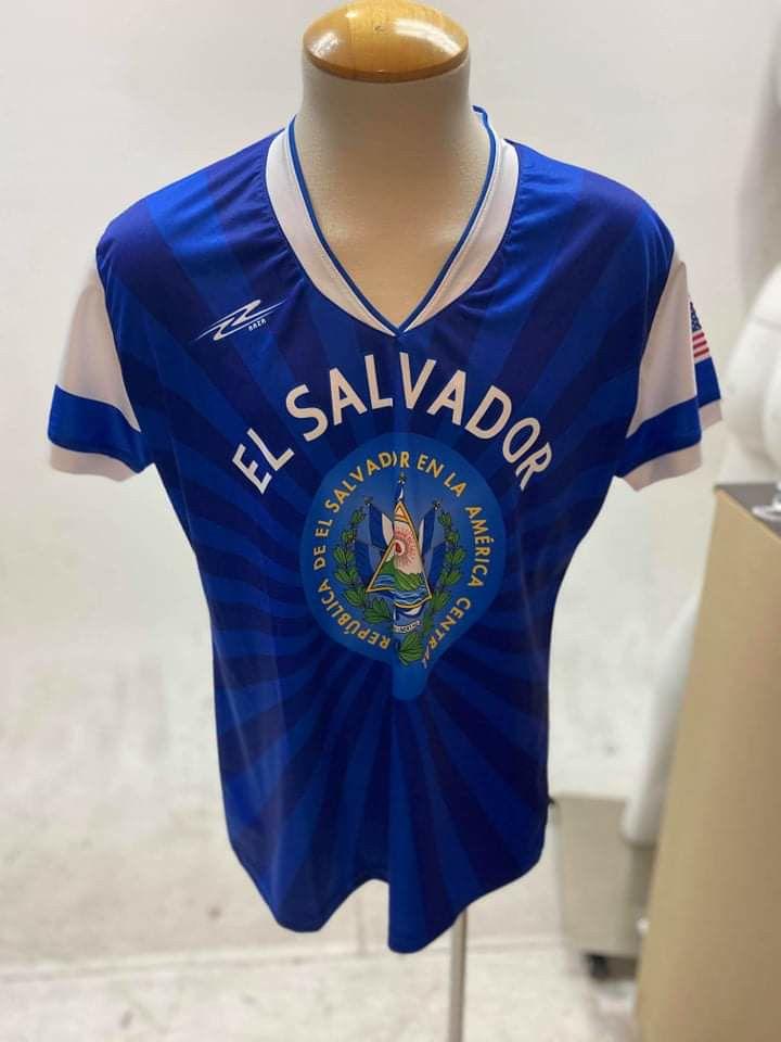 Playera arza del Salvador