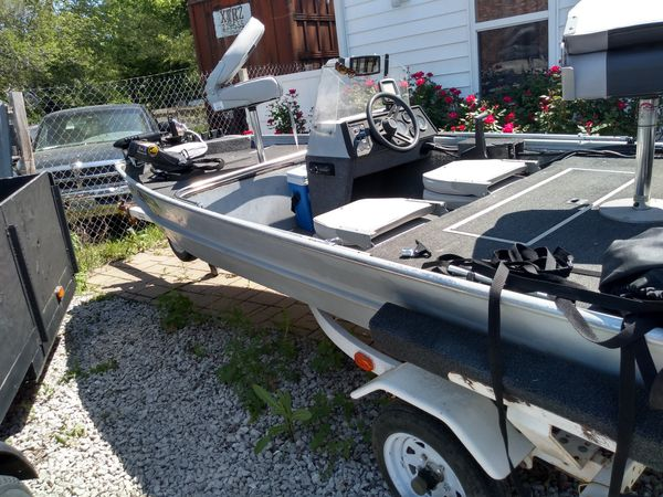 1993 roughneck bass boat