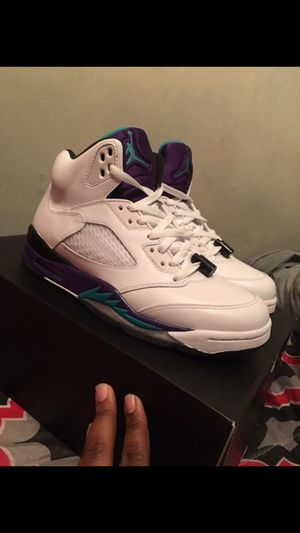 Grape 5s clean af size 8.5 for Sale in Temple Hills, MD