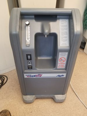 Newlife intensity oxygen concentrator for Sale in San Francisco, CA