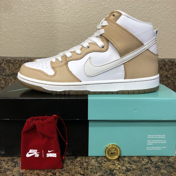 quality design afa0a 0b1b7 Nike SB Dunk x Premier Win Some, Lose Some Size 10.5 for Sale in Hanford,  CA - OfferUp
