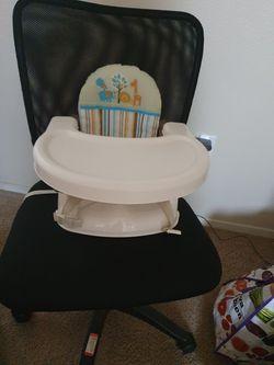 Booster seat Thumbnail