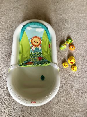 Baby bathtub and toys for Sale in Arlington, VA