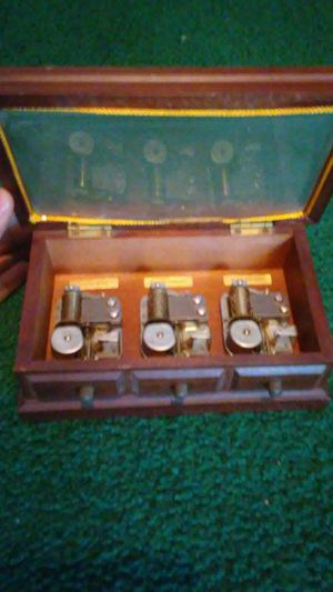 3 song vintage music box for Sale in Mableton, GA