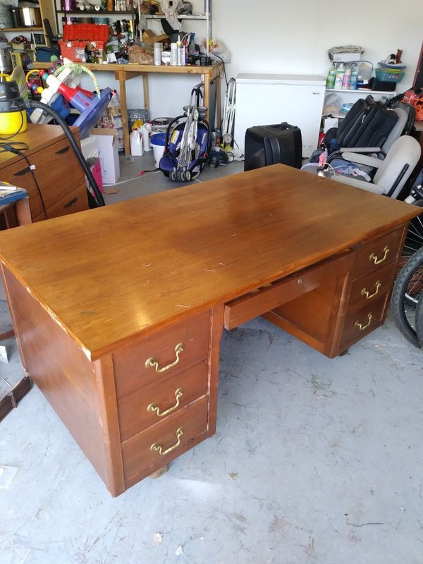 - Office/ Antique/ Executive Desk (Furniture) In Rowlett, TX - OfferUp
