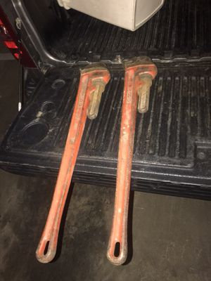 36 inch Rigid pipe wrenches for Sale in Glen Burnie, MD