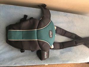 Chicco baby carrier for Sale in Atlanta, GA