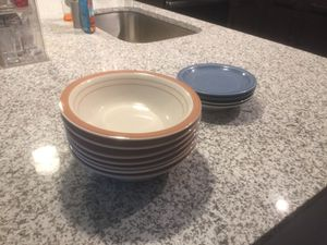 9 bowels, 2 plates for Sale in Tampa, FL