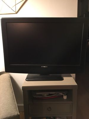 """Dynex - 32"""" Class // LCD HDTV - Matte Black for Sale in New York, NY"""