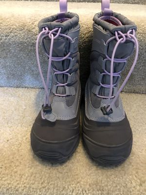Big Kid North Face snow boots: Size 2 for Sale in Columbia, MD