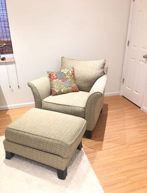 Thomasville Sofa Chair And Ottoman Set for Sale in Elgin, IL
