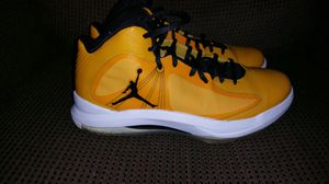 Jordan Aero Flight black and yellow shoes for Sale in Pittsburgh, PA