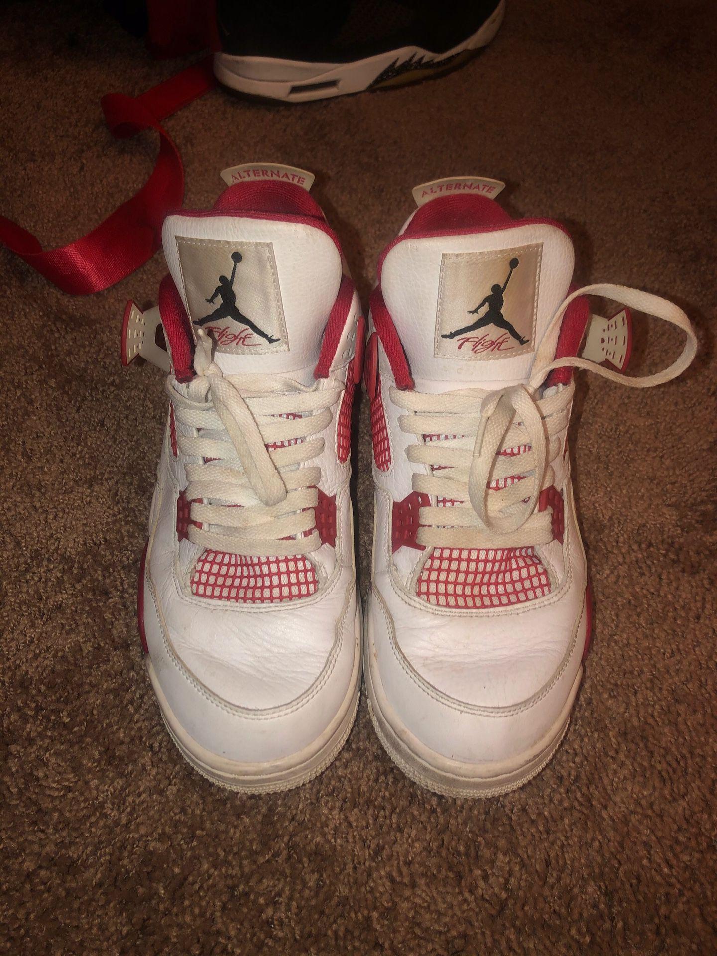 Air Jordan retro 4 size 10.5