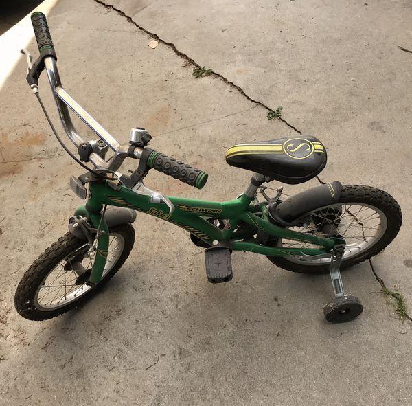 """Kids 16"""" Schwinn Bike with Training Wheels  for Sale in Visalia, CA -  OfferUp"""