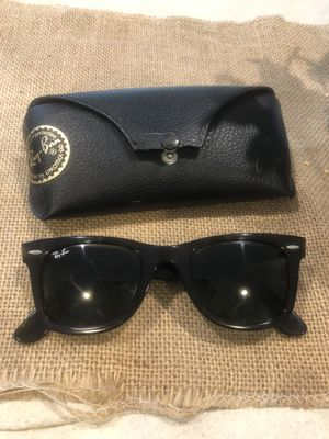 Ray ban Wayfarer glasses for Sale in Joint Base Lewis-McChord, WA