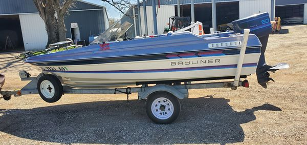 Bayliner bass striker 1987. runs good, no leaks or issues. boat is serviced for winter storage