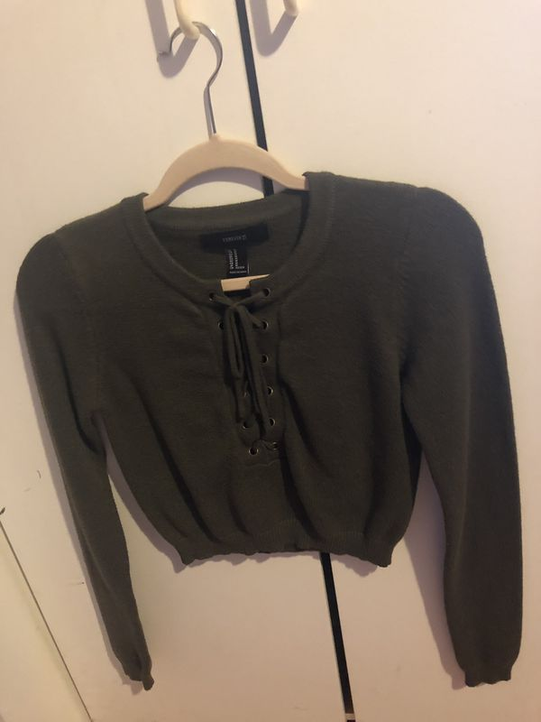 47c82fcc13b1e0 F21 dark green long sleeve crop top for Sale in Sunnyvale