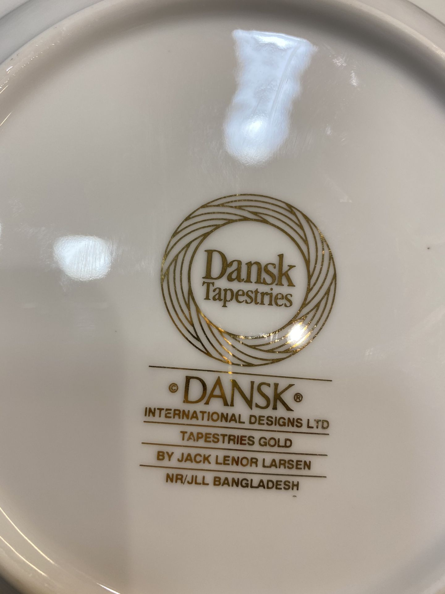 set of 14 plates limited edition by dansk tapestries