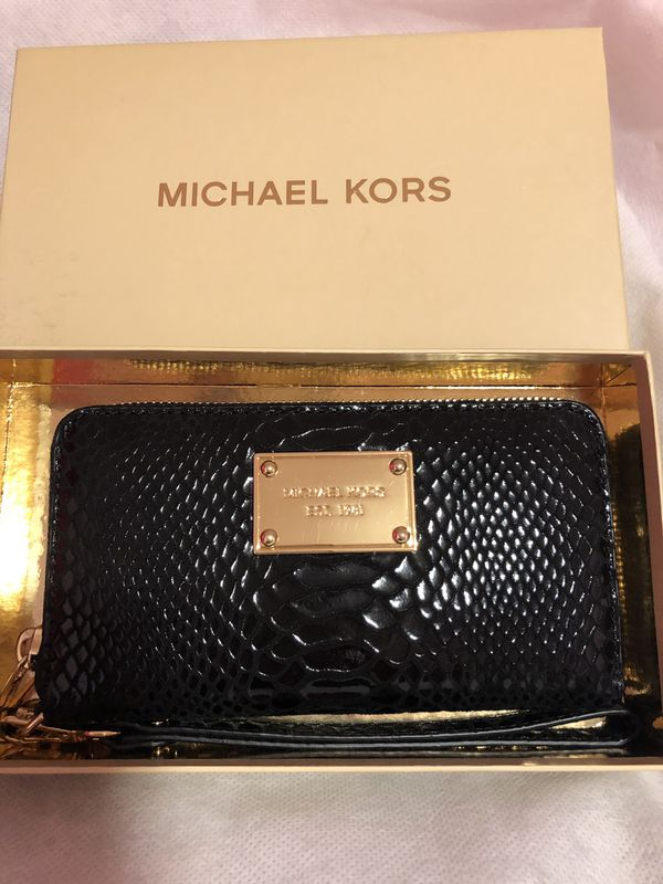 0914684b401915 NEW Michael Kors black snakeskin wristlet. Pick-up only. No low ball  offers! Chicago ...