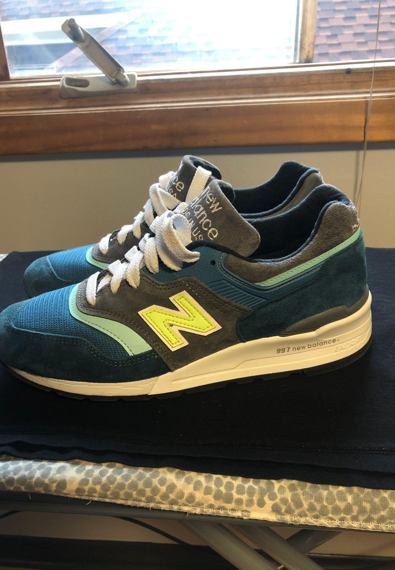 New Balance shoes men size 9 US