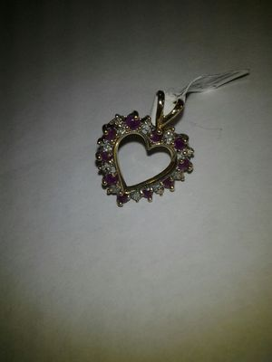 10 K YG GOLD CHARM HEART for Sale in Orlando, FL