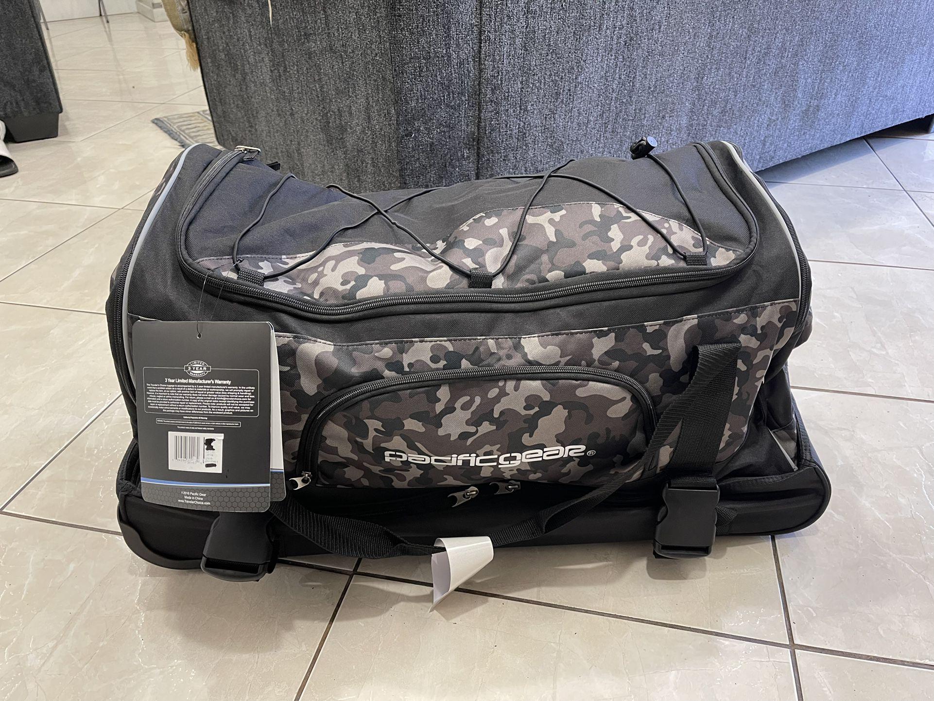 pacificgear 30-inch wheeled drop-bottom duffel bag