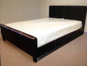 QUEEN BED WITH MATTRESS for Sale in Austin, TX