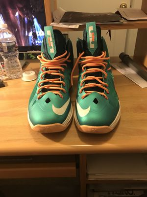 Lebron 10 Miami Dolphins SZ 14 for Sale in Hyattsville, MD