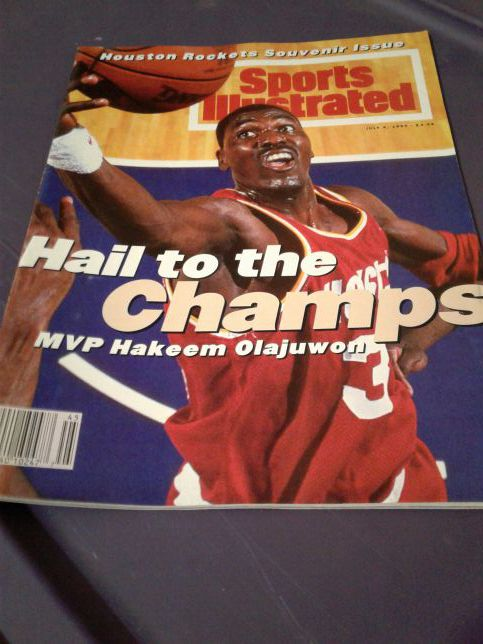 purchase cheap 778c8 2b108 Sports illustrated 1994 Houston Rockets souvenir issue for Sale in Sugar  Land, TX - OfferUp