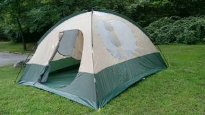 10x12 camping tent,brand coleman for Sale in Silver Spring, MD