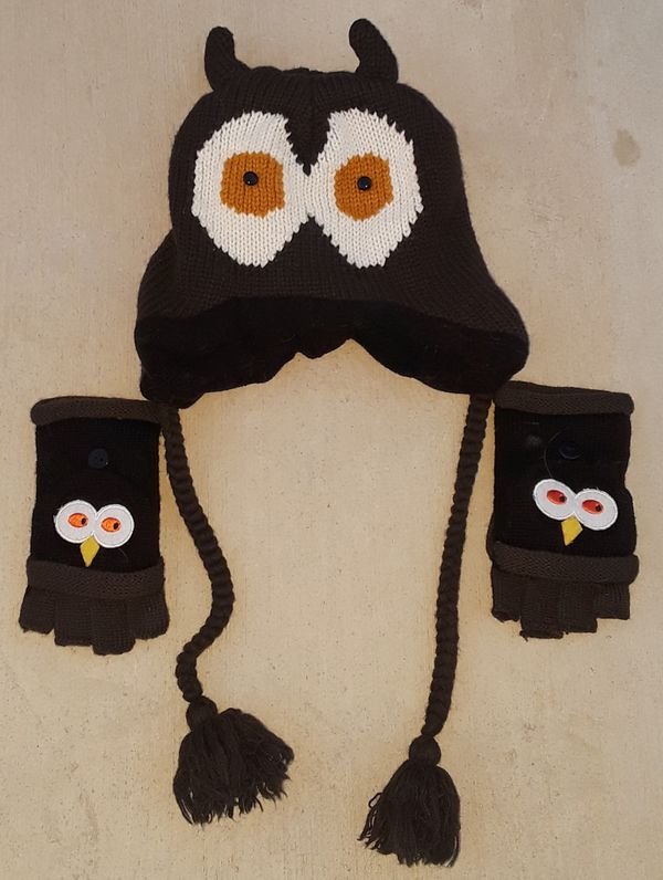 Owl hat and glove set for Sale in Virginia Beach 004ce714e520