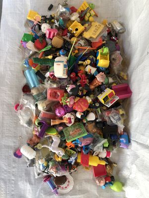 Kids small collectible toy lot for Sale in Fresno, CA