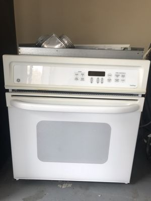 GE white oven for Sale in Houston, TX