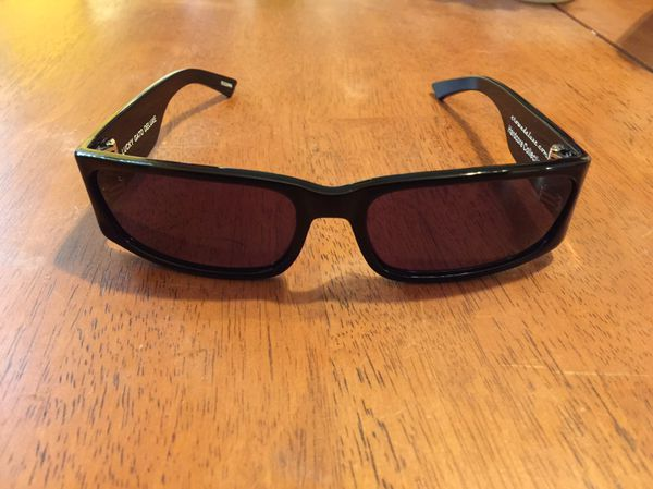e7f1f4248b0 Crown deluxe sunglasses lucky gato deluxe for Sale in Riverside