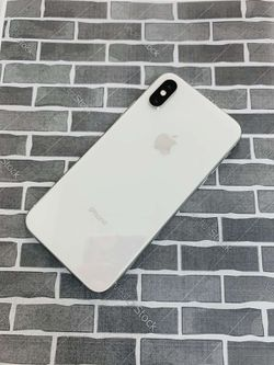 iPhone XS (64 GB) Excellent Condition With Warranty Thumbnail