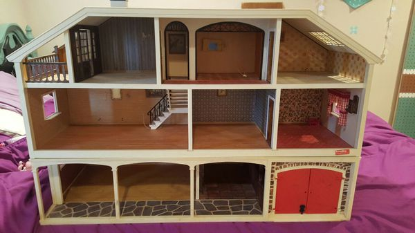 Lundby Stockholm Vintage Electric 3 Story Doll House Garage Stable