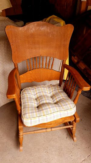 Awesome Vintage Oak Rocking Chair For Sale In Trenton Oh Offerup Machost Co Dining Chair Design Ideas Machostcouk