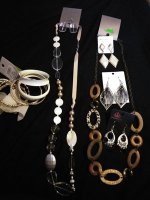 New jewelry lot for Sale in LEWIS MCCHORD, WA