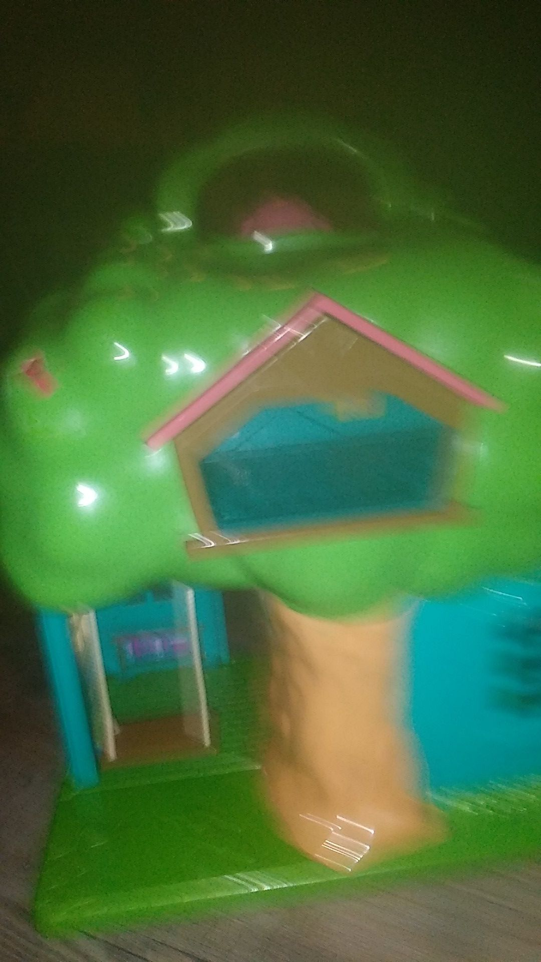 School lol house