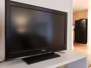 """Sony 32"""" TV with Remote for Sale in North Bethesda, MD"""