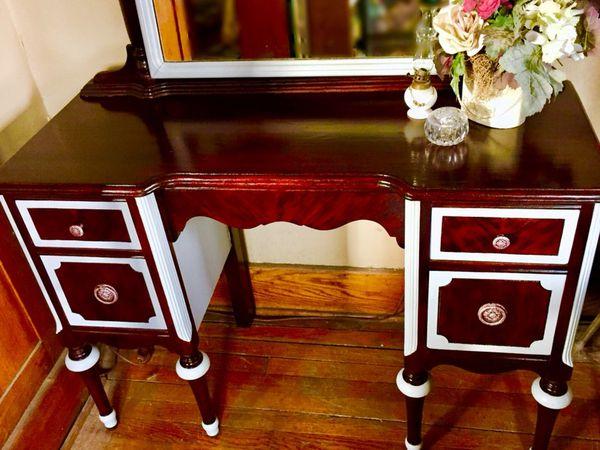- Refinished Antique Vanity W/mirror (Furniture) In Omaha, NE - OfferUp