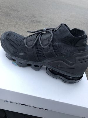 5f0be679927c Nike Air Vapormax Flyknit 2 size 10.5 for Sale in Torrance