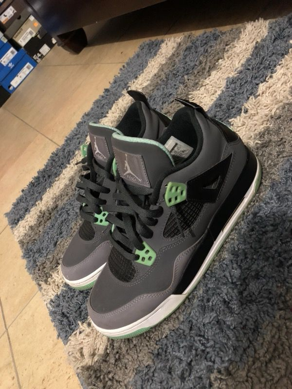 huge discount b7adb b8429 Green glow 4s size 7 Vnds for Sale in Cranston, RI - OfferUp