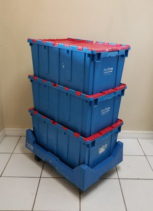 Moving crates and dolli for Sale in Orlando, FL