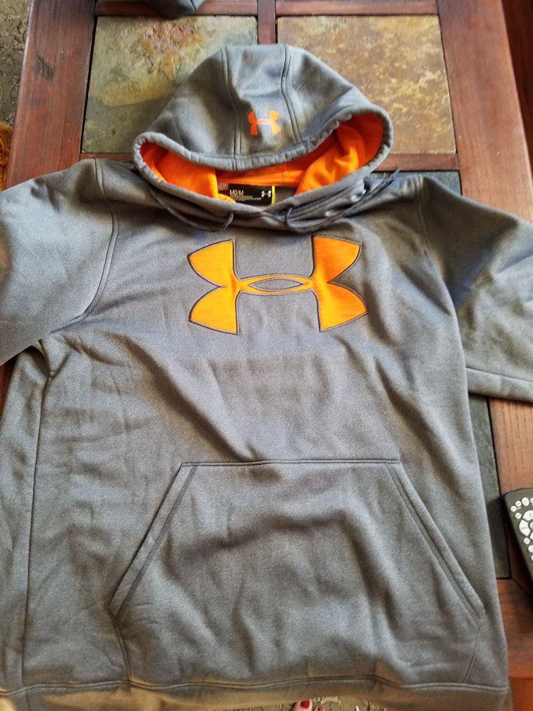 Underarmor hoodie