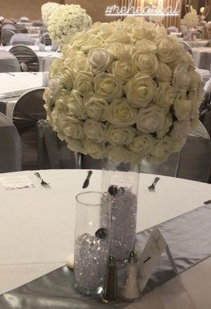 Beautiful Elegant Wedding Decor for Sale in St. Louis, MO