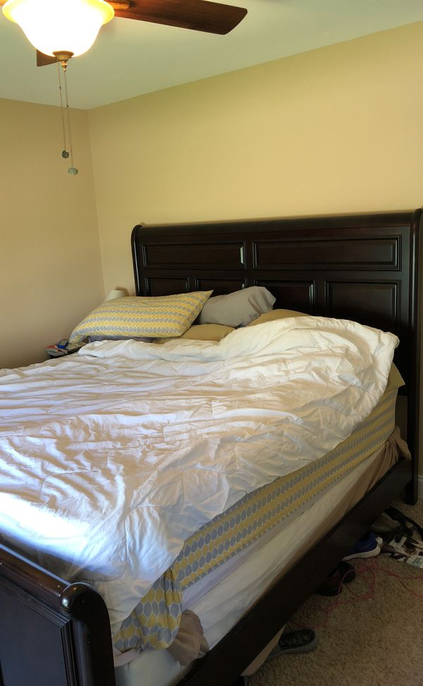King Size Sleigh Bed Does Not Include Mattress Or Box Spring Furniture In St Louis Mo Offerup