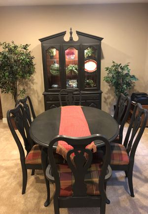 Dining Room Table 6 Chairs And Beautiful Lighted Hutch A Leaf For The