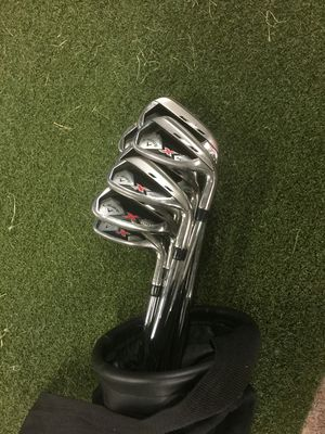 Callaway X hot irons 3-A wedge, two extra clubs Xccondition for Sale in Chicago, IL