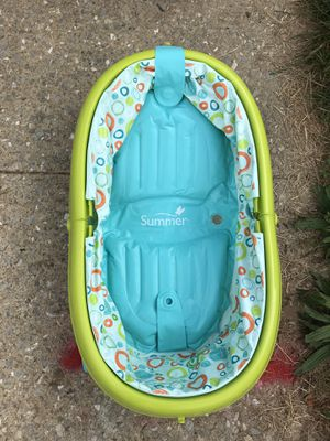 Baby bath tub and booster seat for Sale in Halethorpe, MD